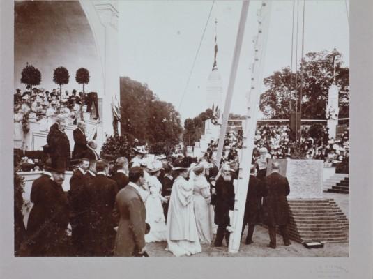 Eerste steenlegging 1907