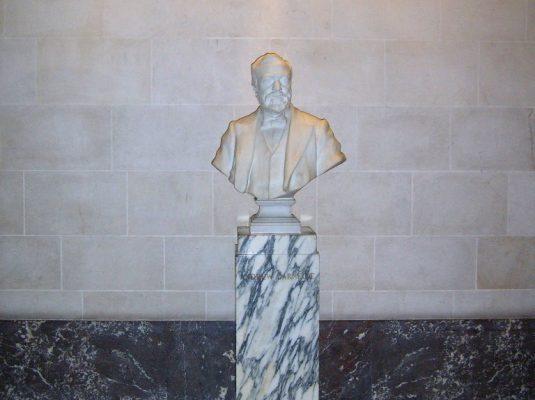 Andrew Carnegie_Buste Vredespaleis
